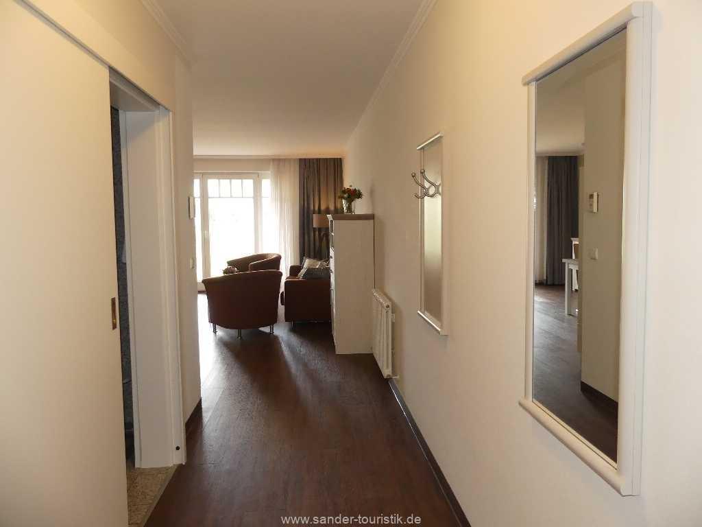 Foto der Wohnung RUG-15-002-14-duenenpark-binz-flur.JPG