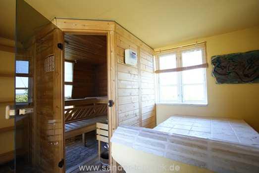 Sauna im separaten Saunahäuschen