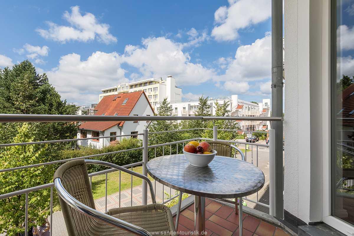 Foto der Wohnung RUG-20-201-04-bel-vital-binz-balkon.jpg