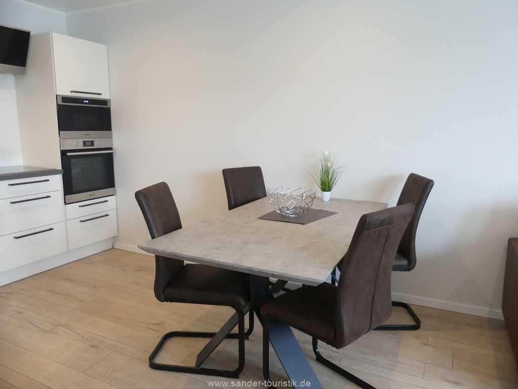 Foto der Wohnung RUG-20-201-23-bel-vital-binz-essbereich.jpg