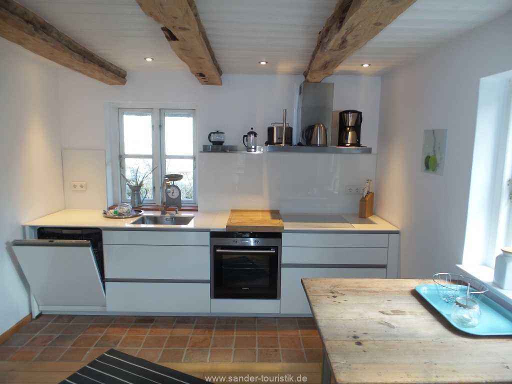 Moderne Küchenzeile mit Geschirrspüler - Boddenblick - Mönchgut