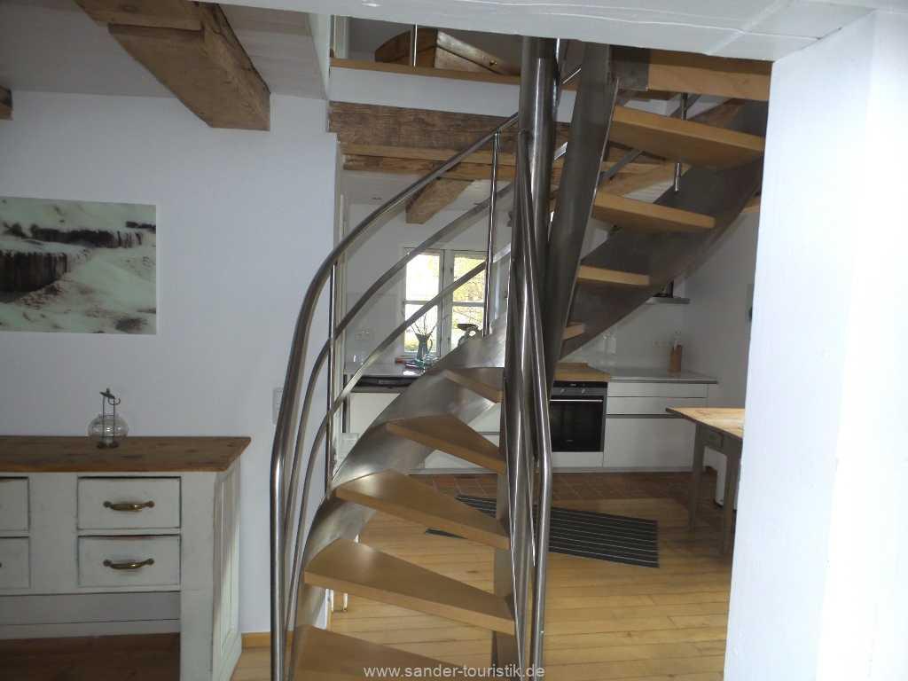 Treppe ins Obergeschoss, Reeeddachhaus - Mönchgut
