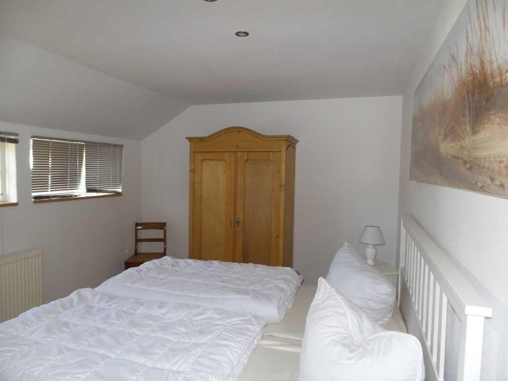2. Schlafzimmer mit Doppelbett - Boddenblick II - Mönchgut