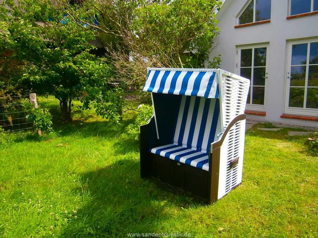 Zur Wohnung gehört ein Strandkorb zum Sonnenbaden - Boddenblick II - Mönchgut