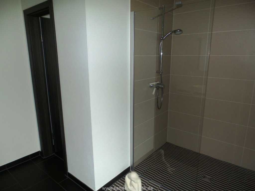 Foto der Wohnung RUG-55-001-01-haus-der-winde-stresow.bad-eg1.jpg