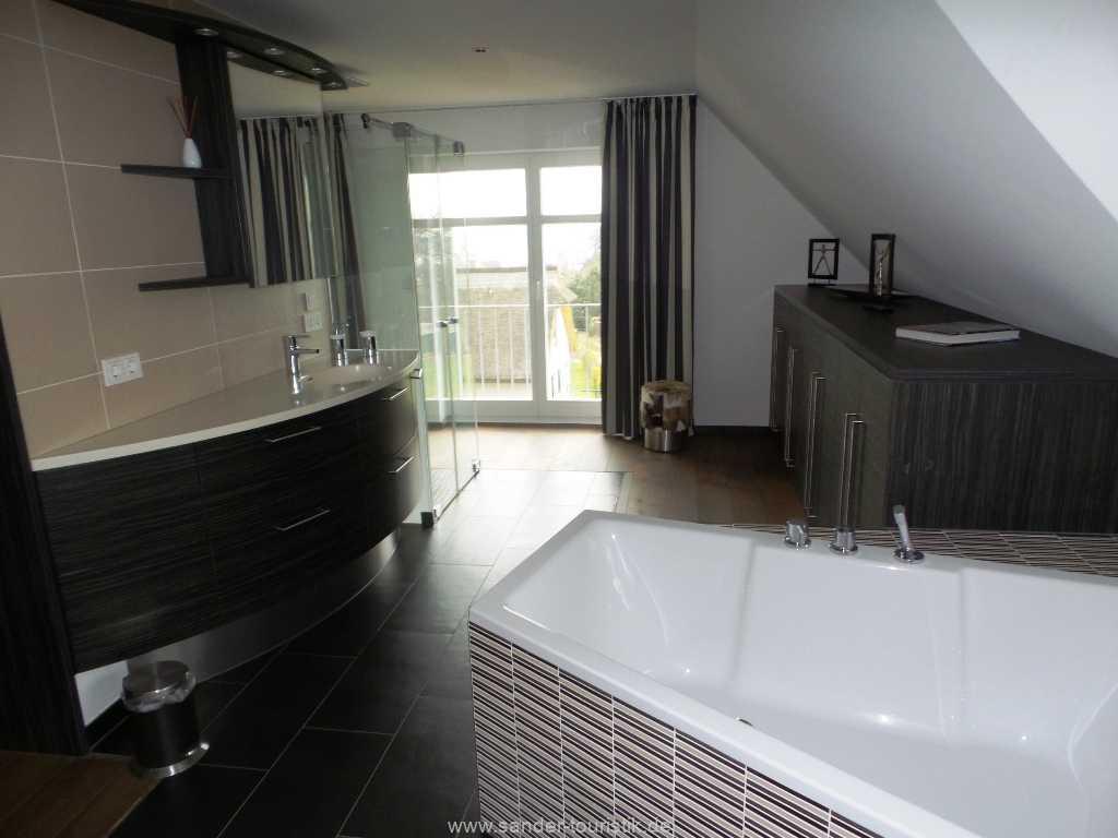 Foto der Wohnung RUG-55-001-01-haus-der-winde-stresow.bad1.jpg