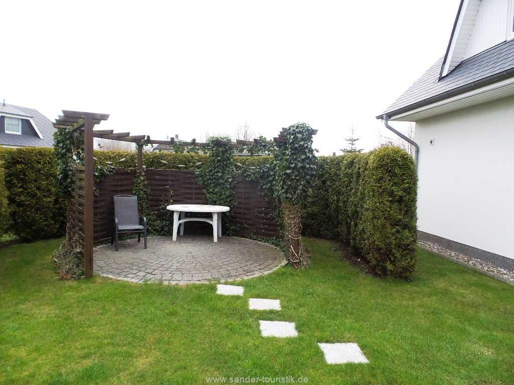Terrasse im Garten des Ferienhauses