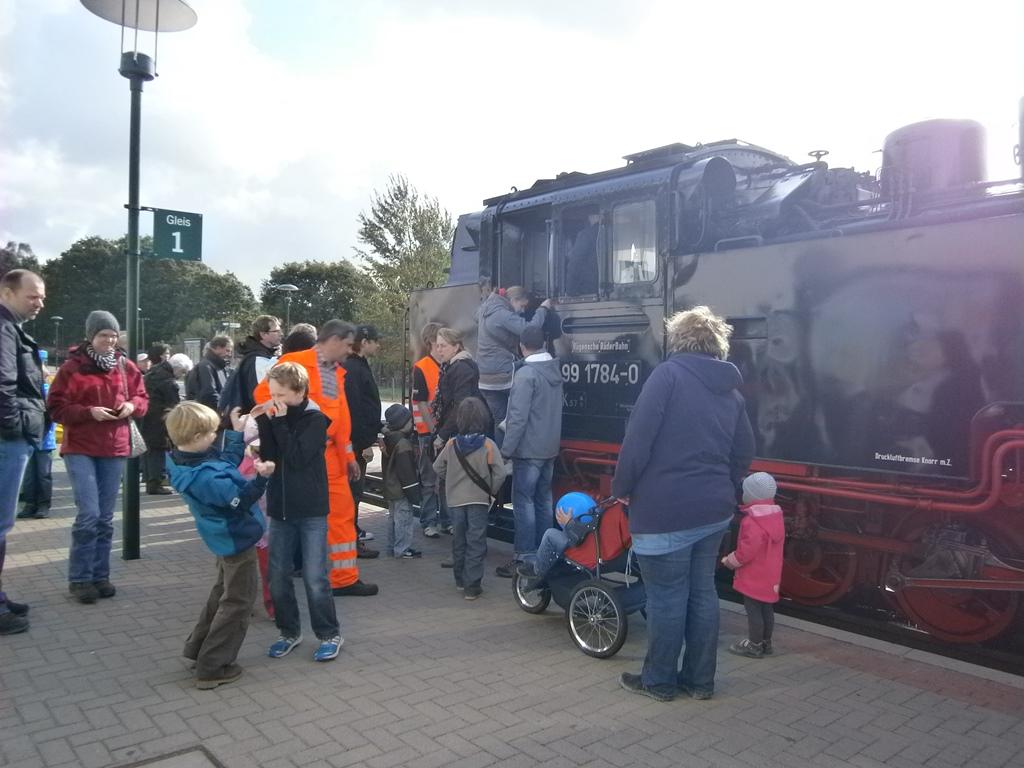 kleinbahnhofsfest.jpg